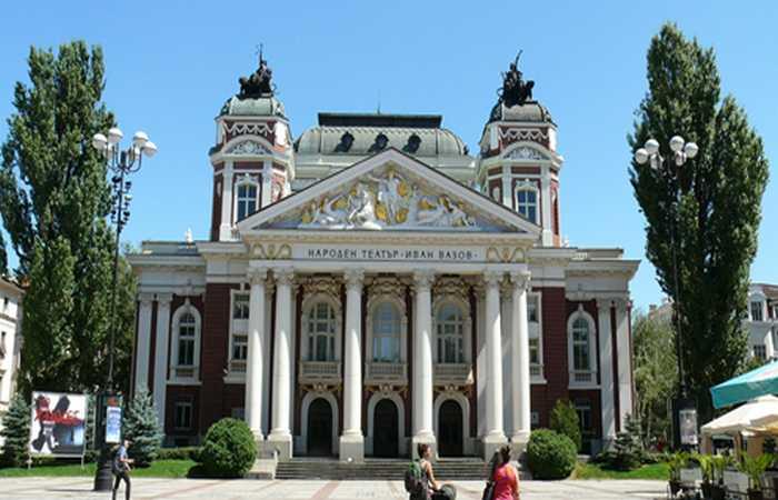 Театр Иван Вазов