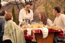 Болгаркое вино и еда. Традиционная болгарская кухня.