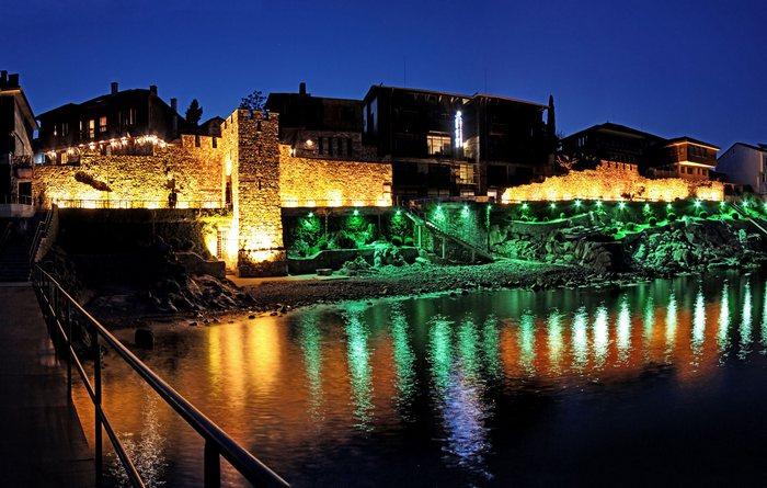 Старый город ночью