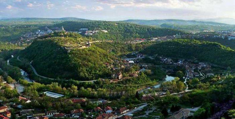 Велико Тырново – древняя столица Болгарии. Город на трех холмах: Царевец, Трапезица и Светая Гора