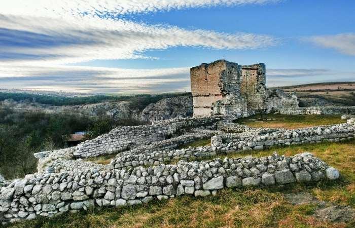 замок Сексагинта Приста