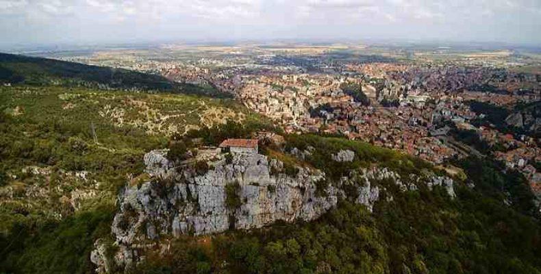 Асеновград  «Маленький Иерусалим» и «Город свадебных платьев»