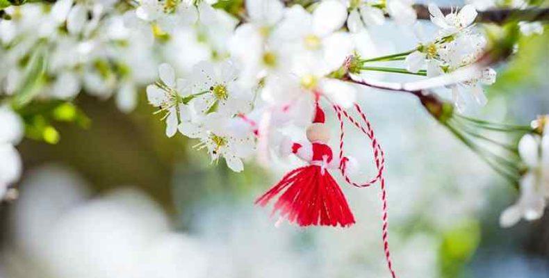 1 марта в Болгарии празднуют Бабу Марту, конец зимы и начало весны
