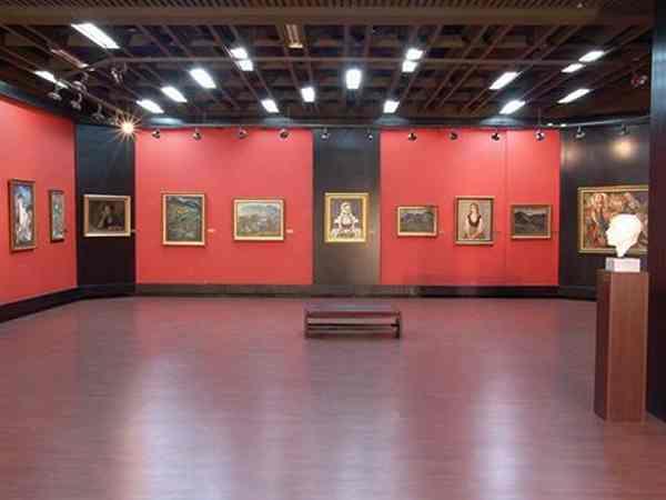 Художественная галерея в городе Смоляна