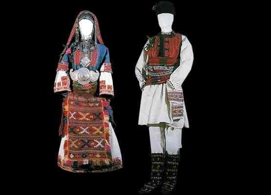 Народные костюмы Пиринсого фольклорного района