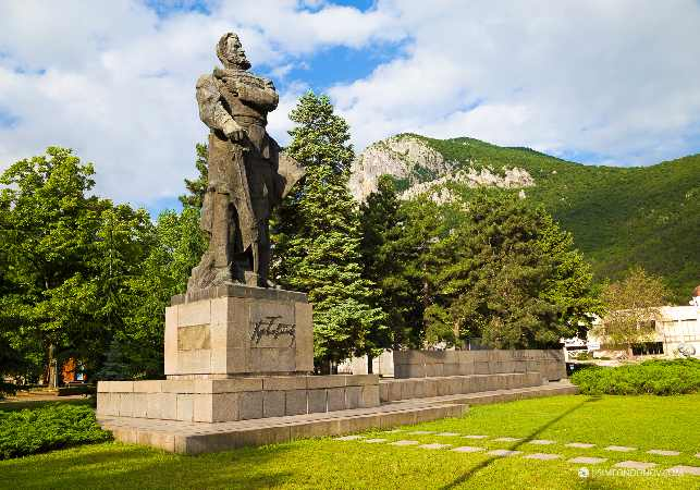 Памятник Христо Ботева