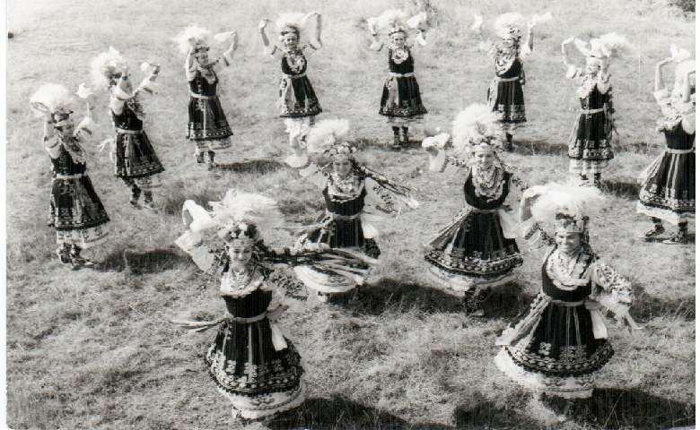 Государственному фольклорному ансамблю имени Филиппа Кутева